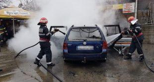 Autoturism în flăcări la Izvoarele