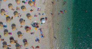 Românii care merg la mare în Bulgaria și Grecia ar putea scăpa de izolarea de două săptămâni – surse